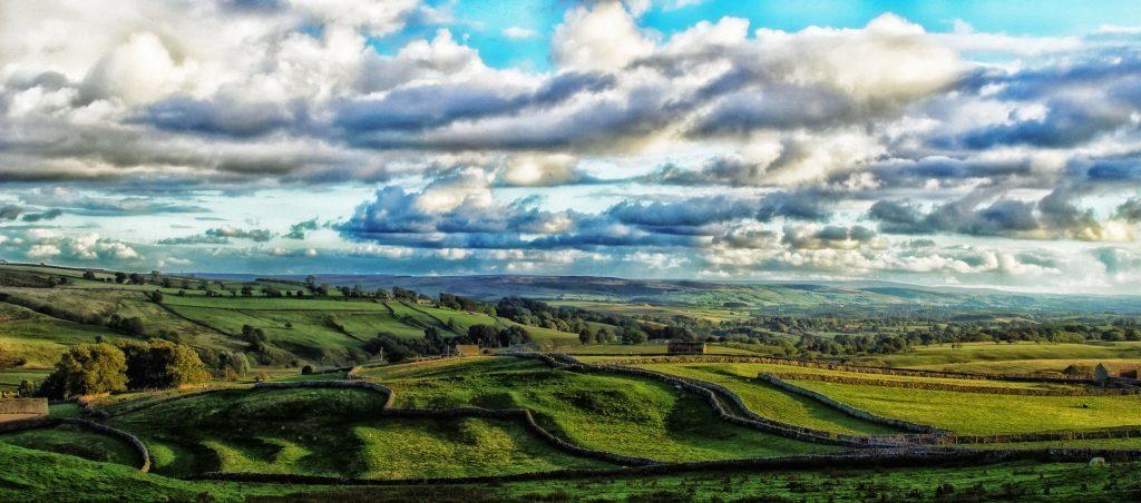 Cảnh sắc nông thôn bình yên: Khu vực nông thôn ở nước Anh luôn mang đến sự dễ chịu, bình yên mà bạn khó tìm được ở nơi nào khác.
