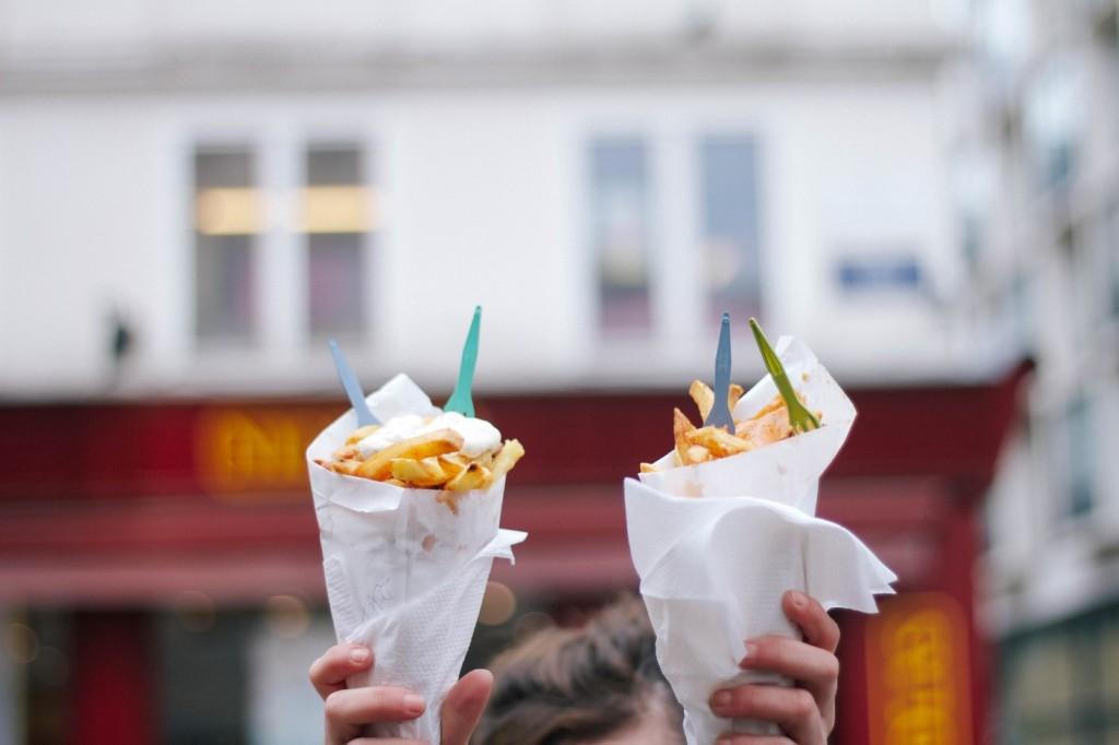 Ẩm thực hoàn mỹ: Tại Anh mỗi một địa phương lại có những món ăn truyền thống riêng biệt: khoai tây nghiền và xúc xích, pho mát Cheshire và bánh pút-đing Yorkshire...