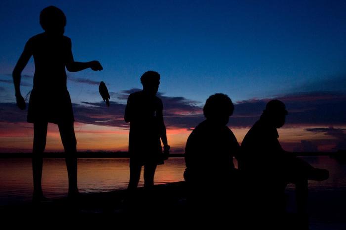 Câu cá tại đảo Melville - Ảnh: OCULI/NG