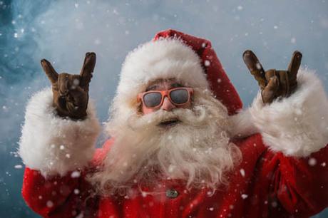 Chính phủ Canada đã tuyên bố ông già Noel là công dân nước mình. Trên thực tế, bạn có thể gửi thư đến Bắc Cực bằng bất kỳ thứ tiếng nào (gồm cả chữ nổi), và những con yêu tinh phụ việc cho ông già Noel sẽ trả lời mọi bức thư. Ảnh: Canada.