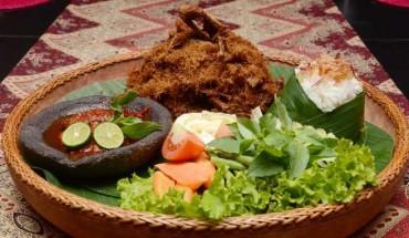 10-mon-ngon-khach-viet-khong-nen-bo-lo-khi-toi-indonesia-ivivu-2