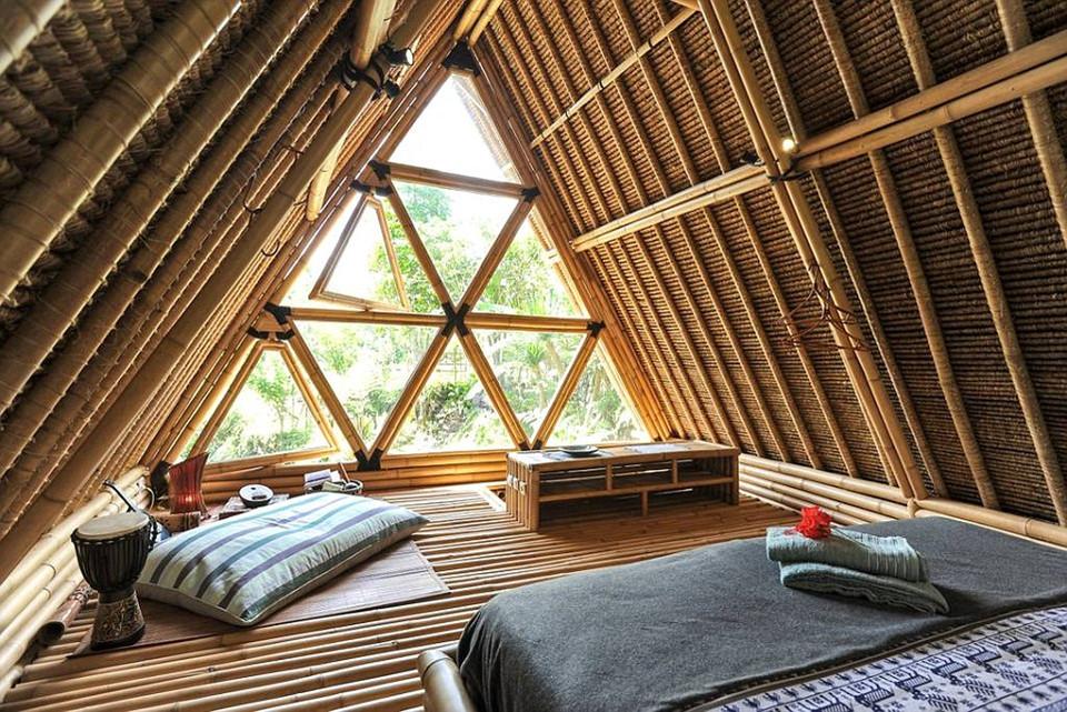 Du khách nghỉ tại căn nhà sinh thái 2 tầng này đều cảm thấy bất ngờ bởi sự đồng điệu thiên nhiên quá mức vượt cả mong đợi, cùng với đó là sự yên bình mê hoặc.