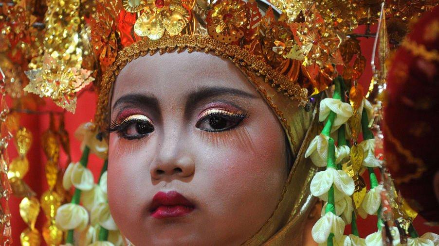 ban-biet-gi-ve-toc-nguoi-viet-co-minangkabau-o-indonesia-ivivu-11
