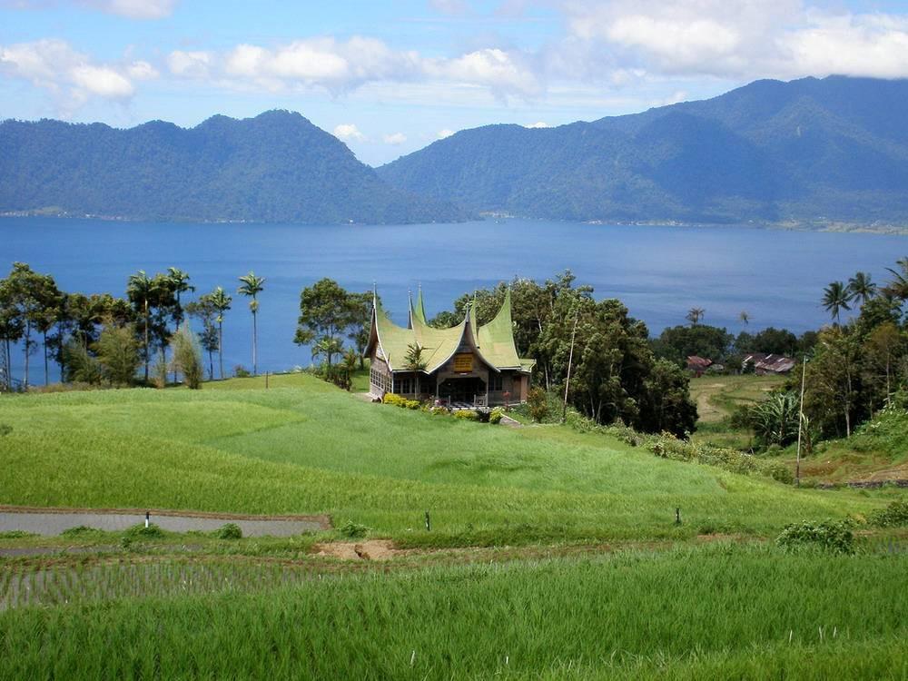 ban-biet-gi-ve-toc-nguoi-viet-co-minangkabau-o-indonesia-ivivu-8