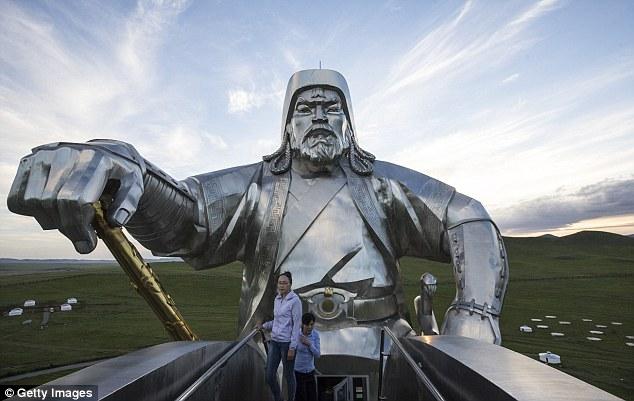 Tượng đài Thành Cát Tư Hãn ở Mông Cổ