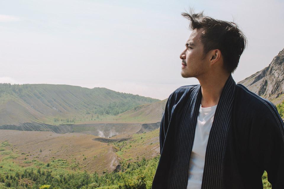 Trong hành trình khám phá Nhật Bản vừa qua, tôi chọn một tour địa phương nhẹ nhàng dạo quanh hồ Toya, Hokkaido. Tuy nhiên, trải nghiệm đáng nhớ nhất ngày hôm đó lại là leo Usu, một trong những ngọn núi lửa còn hoạt động và huy hiểm nhất đảo Hokkaido.