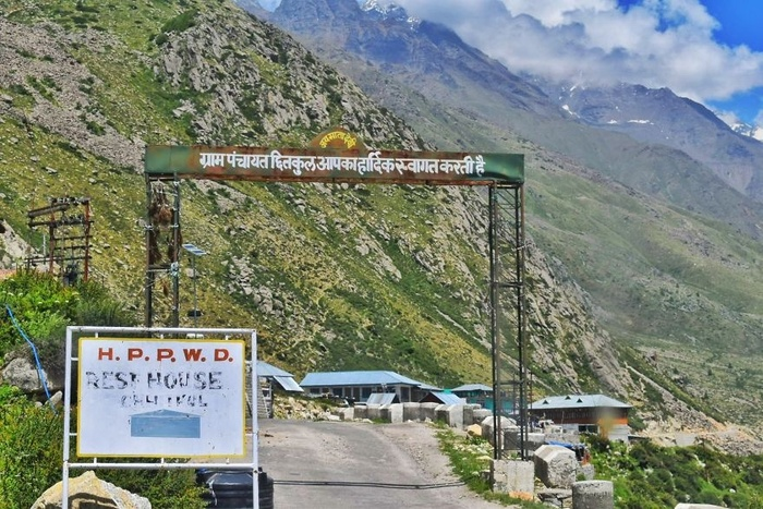 Làng Chitkul cách biên giới Trung Quốc chỉ 30km.