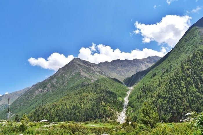 Sống tại ngôi làng Chitkul, bạn sẽ được ngắm thung lũng xinh đẹp mỗi ngày.