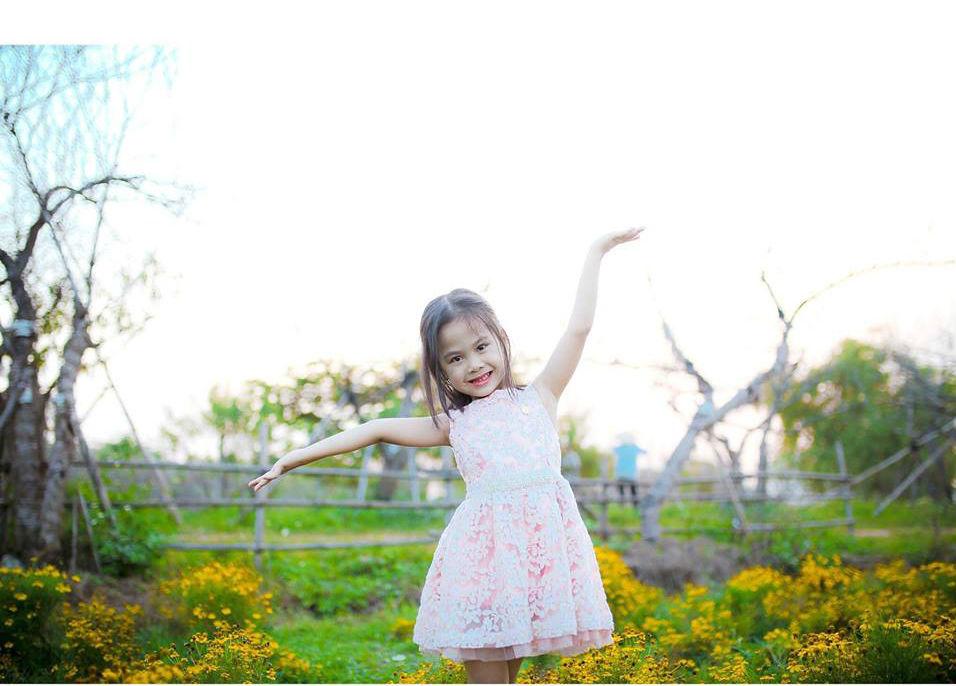 Các gia đình đưa trẻ nhỏ đến đây để trải nghiệm với không gian thiên nhiên gần gũi.