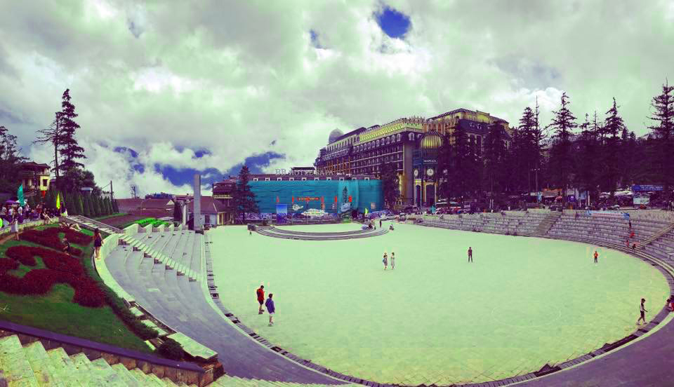 Sun Plaza có vị trí đắc địa ngay cạnh nhà thờ đá của Sapa (Ảnh:Nhật Lệ)