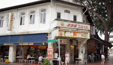 tiem-mi-thu-hut-nhieu-minh-tinh-den-an-nhat-o-singapore-ivivu-1