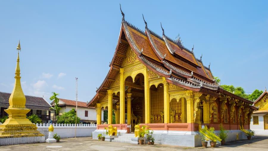 Chùa Wat Xieng Thong: Ngôi chùa Wat Xieng Thong tồn tại từ thế kỷ 18, nằm giữa thành phố di sản Luang Prabang của Lào. Ngôi chùa được xây dựng vào năm 1560 bởi vua Setthathirath, dưới sự bảo trợ của hoàng gia Vương quốc Lào. Ảnh: CNN.