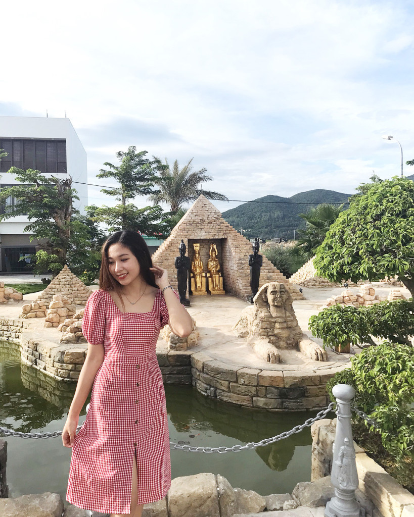 Chủ khách sạn xây dựng công viên này cho người dân tham quan và chụp ảnh miễn phí. Ảnh: @omachi__, @p.q.n.