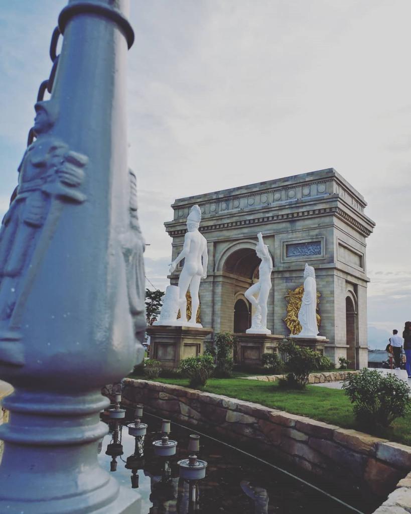 Sau khi mở cửa, công viên này nhanh chóng trở thành điểm check-in vàng tại Đà Nẵng, thu hút sự quan tâm của rất nhiều du khách. Ảnh:@tran.t.thuthao, @dangyen.gl.