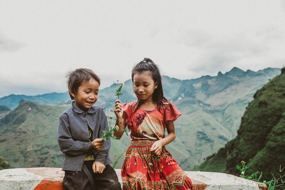 Vẻ đẹp mộc mạc trẻ thơ vùng cao luôn thu hút sự chú ý của các nhiếp ảnh gia, khách du lịch.