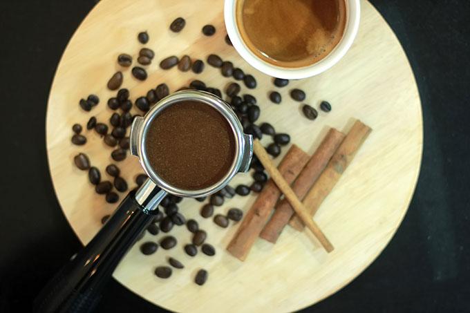 The Myra – Coffee & Tea luôn có những món đặc trưng như cà phê truyền thống, trà, mojito, các món đá xay... được pha chế theo công thức riêng.