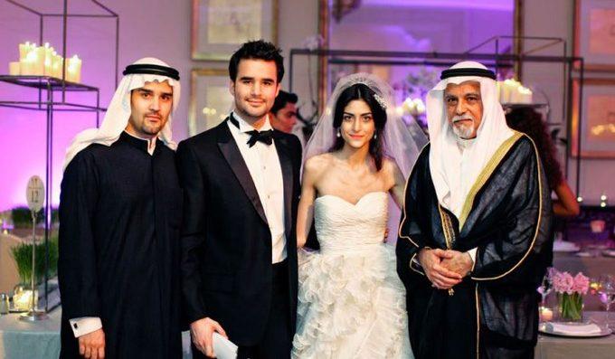 Có nhiều gia đình hoàng gia ở UAE. Mỗi tiểu vương quốc thuộc UAE đều được cai trị bởi một gia đình hoàng tộc khác nhau. Hai hoàng gia nổi tiếng và quyền lực nhất UAE là Dubai và Abu Dhabi. Ảnh: LikeShareTweet.
