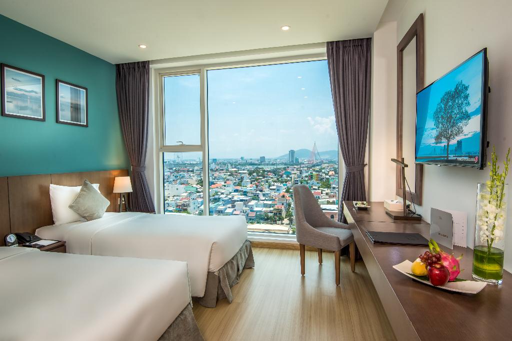 Hướng ra toàn cảnh thành phố Đà Nẵng