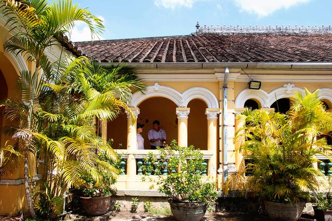 Hiện ở Việt Nam, những ngôi nhà có lối kiến trúc Á Đông kết hợp hài hòa với phong cách Roman còn lại rất hiếm. Đây cũng là địa chỉ được nhiều đôi uyên ương chọn để chụp album cưới hoặc được lấy làm bối cảnh cho nhiều bộ phim có nội dung thời Pháp thuộc.
