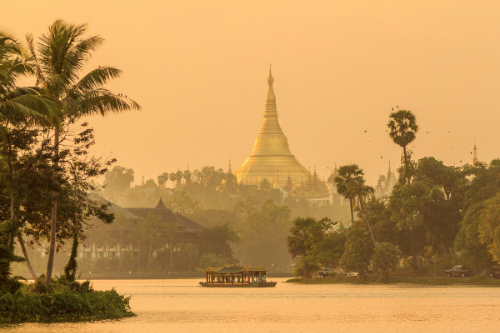 Chùa vàng Shwedagon nổi tiếng bậc nhất Myanmar. Ảnh: Travelheart.