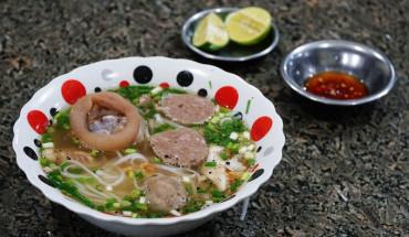 banh-canh-khmer-mon-chua-an-chua-toi-an-giang-ivivu-7