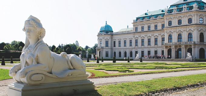 Cung điện Belvedere là một trong những công trình kiến trúc Baroque đẹp nhất châu Âu. Quần thể bao gồm hai tòa nhà là Upper và Lower Belvedere, được UNESCO công nhận Di sản Thế giới năm 2012.