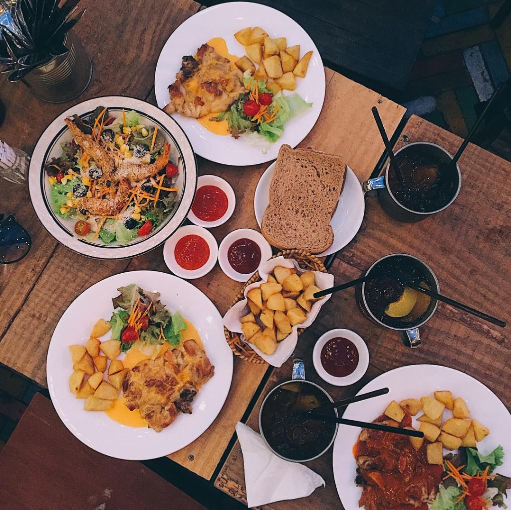 Các món ăn được bày biện cực kì ngon mắt (@changgvu)