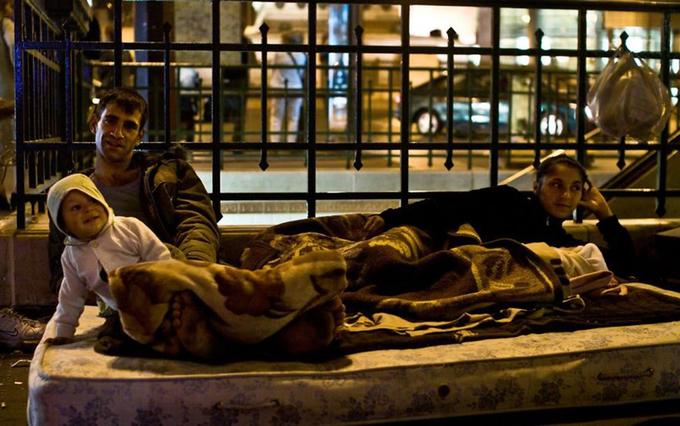 Người vô gia cư là một vấn đề lớn với Paris. Chính quyền chưa bao giờ biết đến tổng số người vô gia cư cho đến gần đây.