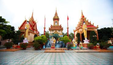 ngoi-chua-kien-truc-angkor-dep-bac-nhat-o-bac-lieu-ivivu-3