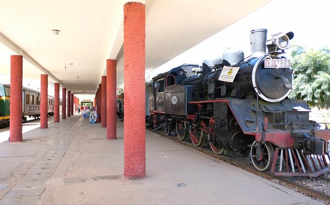 Ga Đà Lạt cùng với ga Hải Phòng là nhà ga cổ nhất Việt Nam và có đầu tàu chạy bằng hơi nước.