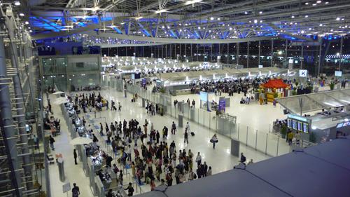 Đây là một trong những sân bay đông khách nhất thế giới với 48 triệu lượt khách mỗi năm. Ảnh: Bangkokpost.