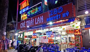 pho-che-thai-sam-uat-bac-nhat-o-sai-gon-ivivu-1