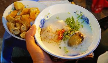 5-mon-ngon-cho-buoi-toi-lang-thang-pho-phuong-sai-gon-ivivu-1