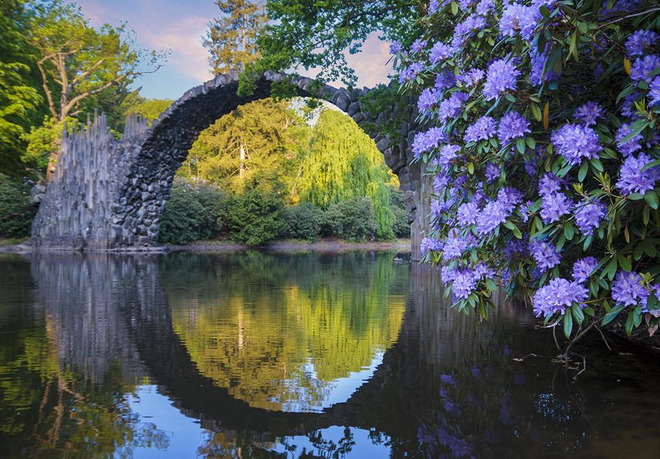 Công viên mở cửa miễn phí cho mọi người vào tham quan. Cầu Quỷ cách khu vực đỗ xe một đoạn ngắn, thuận lợi cho du khách đi lại, khám phá. Ảnh: Shutterstock.