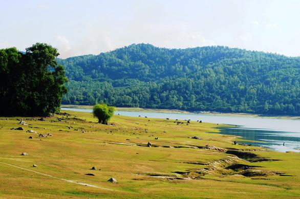 Hồ Phú Ninh lúc buổi chiều - Ảnh: LÊ TRUNG