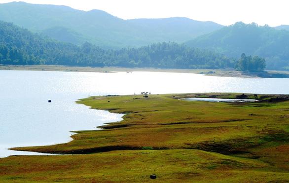 Hồ Phú Ninh khi chiều buông xuống - Ảnh: LÊ TRUNG