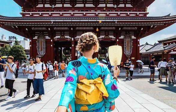 Đền thờ đạo Phật và Thần đạo (Shinto) tại Nhật Bản thường thu hút rất nhiều du khách - Ảnh: AllAbout-Japan.com