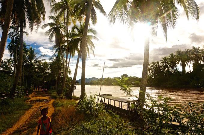 Dù vậy, nơi này có rất nhiều sông, hồ, thác nước như một sự bù đắp cho việc không có đường bờ biển. Ảnh: Beyondblighty.
