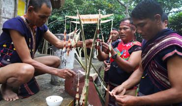 le-thoi-tai-nghi-thuc-dau-doi-cua-nguoi-ba-na-ivivu-1