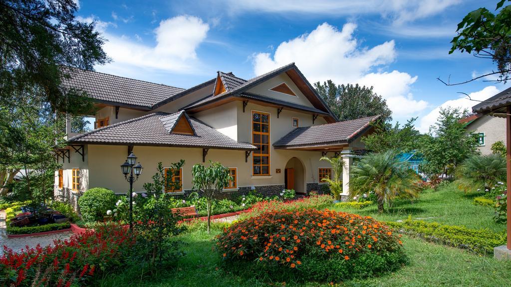 Monet-Garden-Da-Lat-ivivu-1