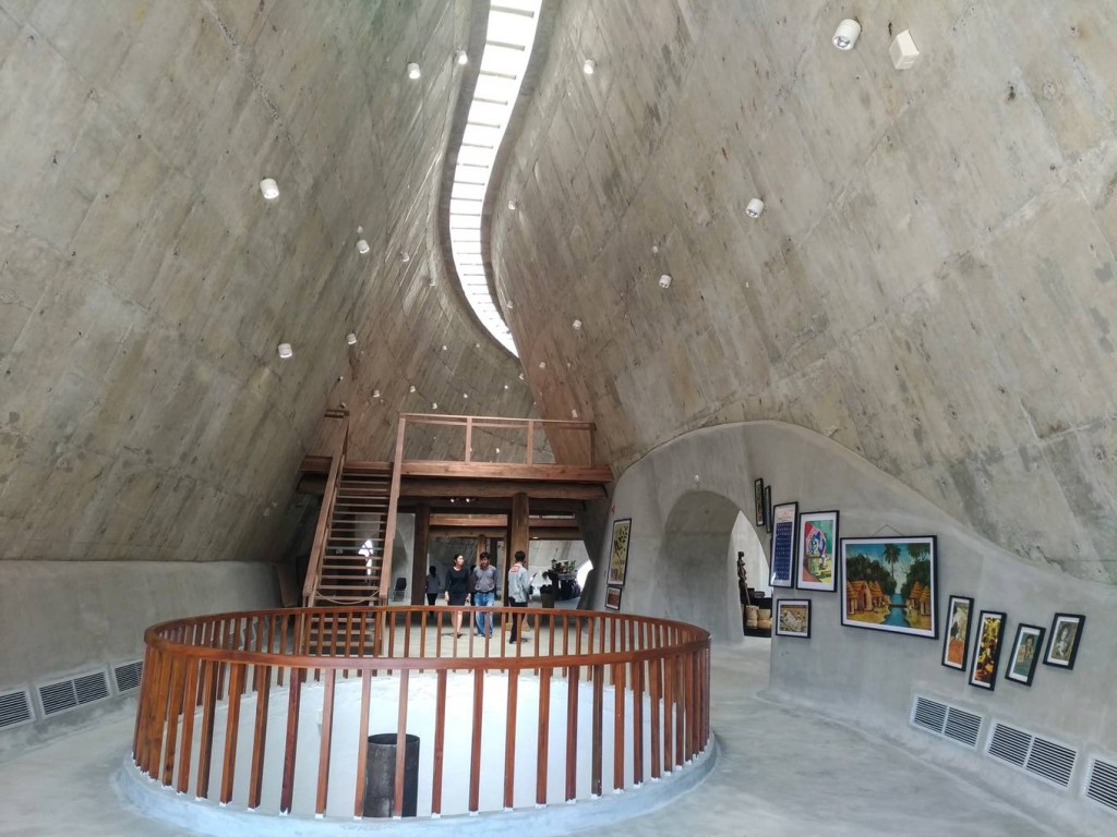 Ngoài không gian trưng bày, bảo tàng còn có thêm thư viện ánh sáng, khu thưởng lãm cà phê, nơi tổ chức hội thảo... Những không gian này đều được kết nối với các công trình khác trong dự án Thành phố cà phê rộng hơn 45 ha.
