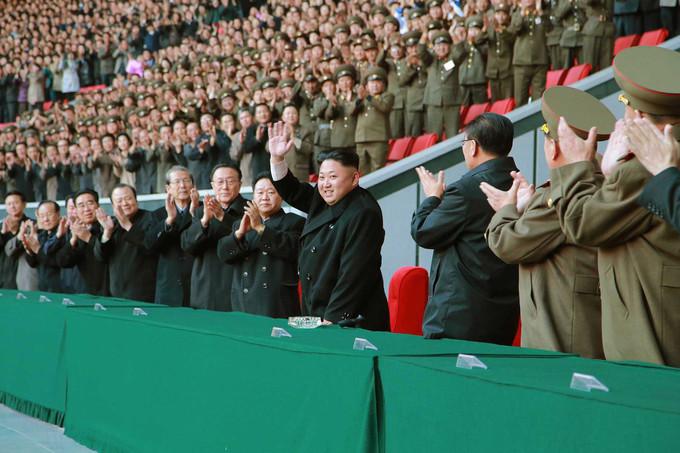 Lãnh đạo Triều Tiên Kim Jong-un và các quan khách nhà nước sẽ ngồi tại khu vực riêng, được bảo vệ nghiêm ngặt. Ảnh: KCNA/Reuters.