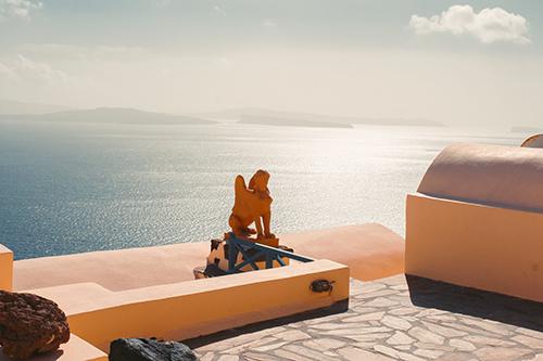 Bạn có thể lang thang khám phá những góc yên bình, xa khỏi những nơi đông du khách.