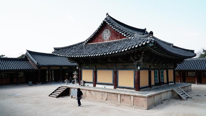Không chỉ là công trình nổi tiếng Hàn Quốc mà nơi đây còn minh chứng cho sự thăng trầm của Phật giáo trải qua nhiều giai đoạn lịch sử. Chùa thu hút Phật tử thập phương và những người quan tâm đến kiến trúc, nghệ thuật.