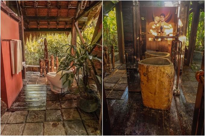 Do lượng khách ít, số phòng hạn chế nên khách lưu trú được tận hưởng trọn vẹn sự riêng tư của mình. Phòng tắm cũng như toilet không có vách ngăn, dùng bụi cây để che chắn. Mọi nhu cầu vệ sinh, tắm rửa đều thực hiện giữa thiên nhiên cho trải nghiệm khá thú vị.