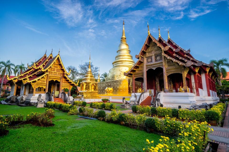 4. Chiang Mai, Thái Lan: Các kiến trúc cổ xen lẫn hiện đại cùng những ngôi đền đẹp rực rỡ là nét nổi bật khi bạn tới thành phố Chiang Mai. Trước đây nơi này là kinh đô của vương quốc Lanna cổ đại, ngày này Chiang Mai là một thiên đường về mua sắm và ẩm thực.