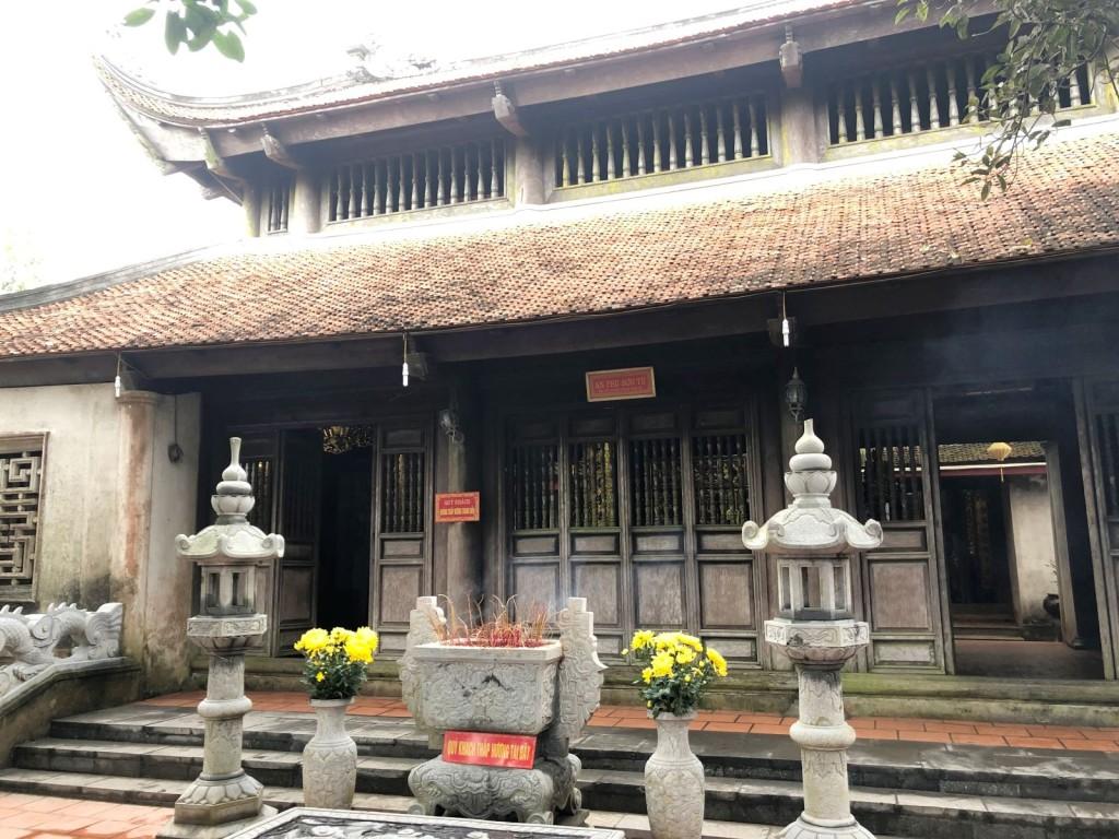 Đền Cao thờ An Sinh Vương Trần Liễu nổi tiếng linh thiêng.