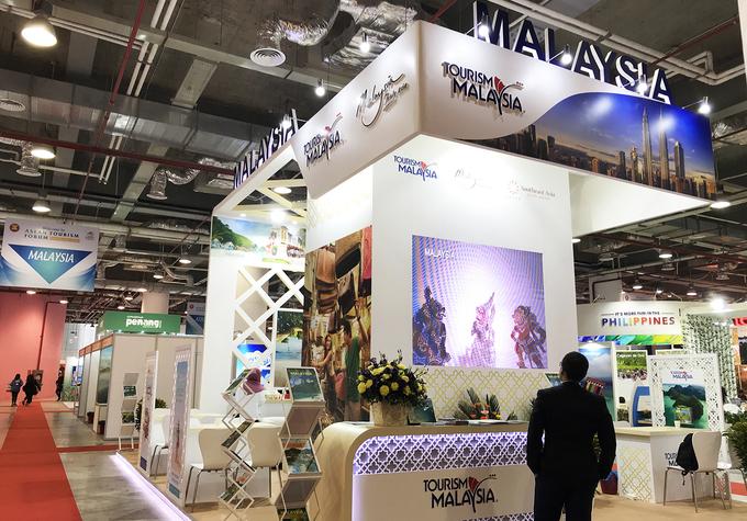 Theo cơ quan xúc tiến du lịch bang Johor, Malaysia, năm 2018 có khoảng 120.000 khách Việt đến du lịch và đây là con số tăng dần theo từng năm. Nằm kề quốc đảo Singapore, Johor đáp ứng mọi nhu cầu đa dạng của du khách, từ vui chơi giải trí ở các công viên chủ đề, đến mua sắm, nghỉ dưỡng, chơi golf. Tham dự Hội chợ Du lịch ASEAN ngày 16-18/1 tại Hạ Long, bang Johor đã giới thiệu nhiều điểm đến nổi bật của mình.
