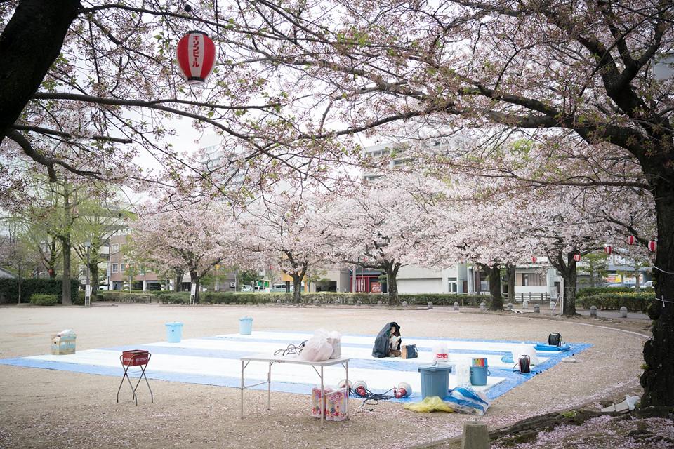 Ngoài ngắm hoa, du khách có thể đến thăm những điểm đến nổi tiếng trong khu vực như đền Sumiyoshi-jinja, lâu đài Fukuoka, bảo tàng quốc gia Kyushu và chùa Nanzoin. Ngoài ra, bạn có thể cân nhắc ghé thăm các điểm như công viên Ohori, tháp Fukuoka, bãi biển Momochi hay khu mua sắm quận Tenjin. Ảnh: Kyodo.