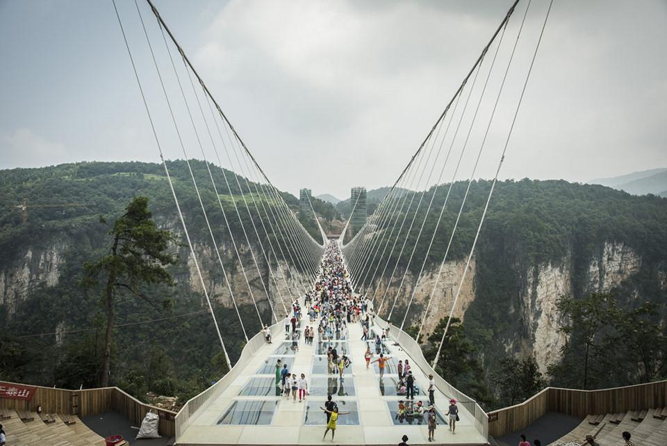 tour-6n5d-truong-gia-gioi-thanh-co-phuong-hoang-dong-nhan-chi-voi-14990000-dong-khách-ivivu-1